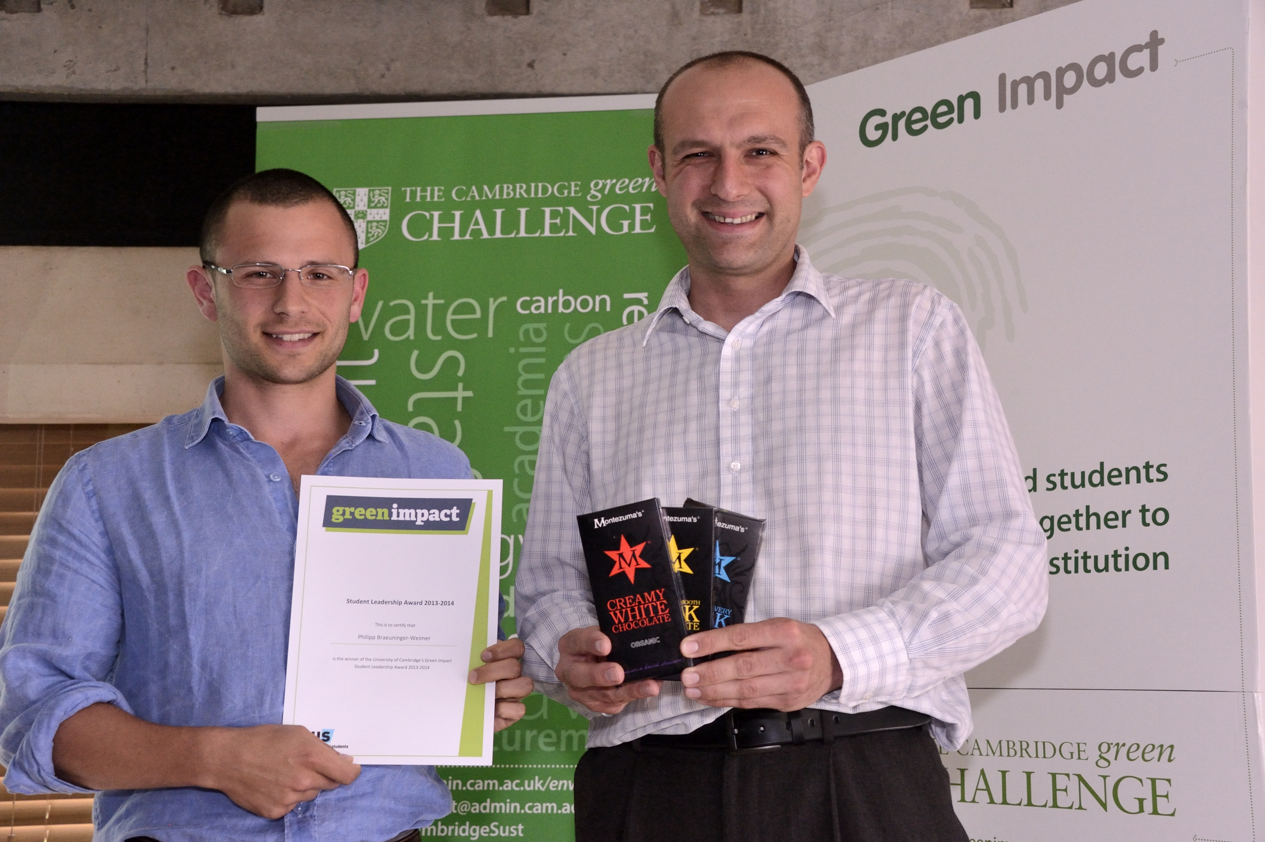 Philipp Braeuninger-Weimer, winner of the Student Leadership Award, with Jamie Agombar, NUS